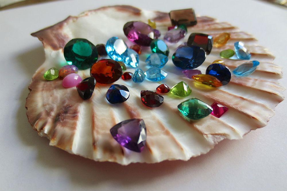 vyznam-kamenu-podle-barvy (2).jpg
