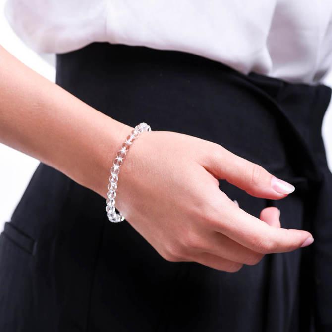 Damsky-koralkovy-naramek-6mm-ciry-fasetovany-kristal-bila-zlato-ruka.jpg